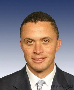 Harold Ford Jr. Background full name:Harold Eugene Ford Jr. middle name:Eugene birthplace:Memphis, Tennessee, USA date of birth:May 11, 1970 age in 2020:49 zodiac:Taurus ethnicity:Black nationality:American religion:Baptist Is gay?:No Harold Ford Jr. Education high school:St. Albans School in Washington D.C. college:University of Pennsylvania.University of Michigan Law School Harold Ford Jr. Job job:Politics